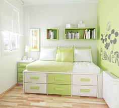 Love the Bed with the storage.  On the list for Jon to make.