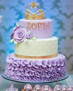 Inspiração para o tema Princesa Sofia e Príncipe James. . Pinterest . #inspiracao #princesasofia #príncipejames #temaprincesasofia #cake
