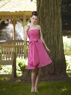 A-line bridesmaid dress with strapless neckline and knee length. A tailored bow accents the waist. Made of taffeta. Free made-to-measurement service for any size. Available colors seen as in Color Options.