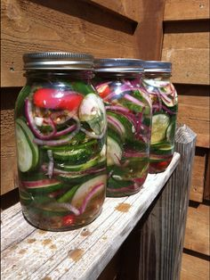 SWEET HOT REFRIGERATOR PICKLES / CUCUMBER SALAD.  :)
