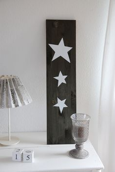 Étoile blanche sur fond foncé en bois / House No. 43: Treib Holz Effekt - Drift Wood Effect