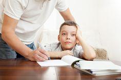 Η ανώφελη υπεραπασχόληση των γονέων με τα παιδιά τους. Γράφει ο ψυχίατρος - ψυχοθεραπευτής Δημ. Παπαδημητριάδης.