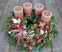 Christmas Wreaths, Christmas Decorations, Table Decorations, Holiday Decor, Best Candles, Topiary, Christmas Inspiration, All Things Christmas, Kitsch