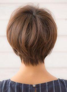 首筋がキレイに見える大人小顔ショート(髪型ショートヘア)