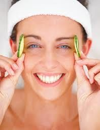 Natural Solutions To Remove Dark Circles Under The Eyes. There is a lot you can do to improve the appearance of these symptoms both internally and externally.  Ingredients for dark circles include: chilli turmeric cayenne pepper fennel curry paprika