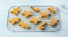 Bolachas de gengibre em 10 passos Four, Gingerbread Cookies, Gluten, Yummy Food, Pasta, Desserts, Recipes, Gingerbread Cupcakes, Cook