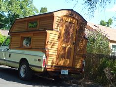 Beautiful Ideas To Turn Your Camper Just Like Your Own Home, Folding camping trailers are a few of the smallest towable RVs out there. The wheel trailers are extremely similar in many respects to the typical. Mini Camper, Camper Tops, Pickup Camper, Camper Trailers, Cargo Trailers, Food Trucks, Truck Bed Trailer, Truck House, Homemade Camper
