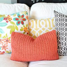 Learn how to make a chunky, textured pillow cover. A great project for beginners!
