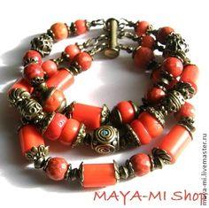 Браслет `Коралловый рассвет`. Яркий трехрядный браслет в винтажном стиле из натуральных кораллов приятного лососевого оттенка, тибетских бусин ручной работы, инкрустированных кораллами и бирюзой.     Работа представлена для примера.