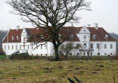Bidstrup, hovedgård 14 km sydvest for  Randers