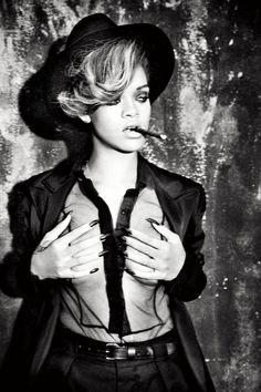 Rihanna Cigars And Women Style Rihanna, Looks Rihanna, Rihanna Mode, Rihanna Riri, Rihanna Fashion, Cigars And Women, Women Smoking Cigars, Smoking Ladies, Girl Smoking