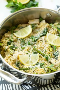 One Pot Lemon Chicken, Spinach and Asparagus Orzo is made with some of the freshest flavors of the season, including lemon, asparagus, Parmesan cheese and spinach! Orzo Recipes, Cooking Recipes, Healthy Recipes, Fresh Chicken Recipes, Skillet Recipes, Cooking Tools, Greek Recipes, Pizza Recipes, Healthy Foods