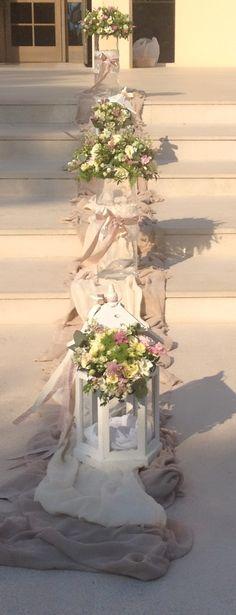 Dekoracja domu Greek Wedding, Plan My Wedding, Wedding Planning, Wedding Day, Church Wedding Decorations, Table Decorations, Maid Of Honor, Flower Arrangements, Reception