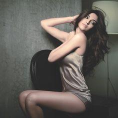 Sonam Kapoor Hd Images, Sonam Kapoor Pics, Sonam Kapoor Hairstyles, Indian Film Actress, Indian Actresses, Sonam Kapoor Marriage, Sonam Kapoor Lehenga, Sonam Kapoor Instagram, Veere Di Wedding