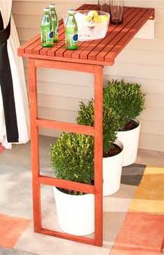 Maximize outdoor entertainment space with a stylish-yet-sturdy folding table. Durable cedar ensures years of utility.
