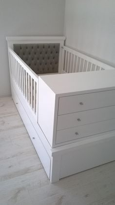 modern baby bed design ideas for nursery furniture sets 2019 Baby Boy Rooms, Baby Bedroom, Kids Bedroom, Modern Baby Bedding, Baby Bedding Sets, Baby Crib Diy, Baby Cribs, Nursery Furniture Sets, Baby Nursery Decor