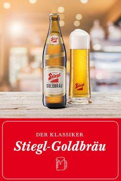 Flüssiges Gold aus Salzburg: Stiegl-Goldbräu. Ein gehaltvolles, feinwürziges Bier aus besten heimischen Zutaten. Herrlich frisch im Geschmack und sehr bekömmlich. Harmoniert hervorragend zu: Suppen, Braten, Grillspezialitäten, Gulasch, kurz gebratenem Fleisch  Erhältlich im Stiegl-Onlineshop, im Stiegl-Braushop oder bei deinem Wirt des Vertrauens. #prost Bier | Klassiker | Stiegl | Beer | Shop | Trinken | Goldbräu Flüssiges Gold, Der Handel, Corona Beer, Salzburg, Beer Bottle, Wedding, Wine Pairings, Root Beer, Lemonade