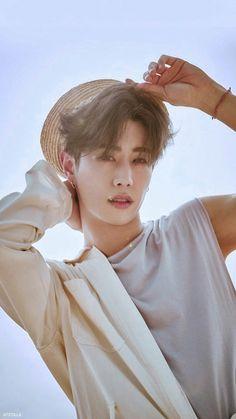 Mark gives u some summer vibes Youngjae, Kim Yugyeom, Bambam, Mark Tuan Cute, Got7 Mark Tuan, Girls Girls Girls, Mark Jackson, Jackson Wang, Jinyoung