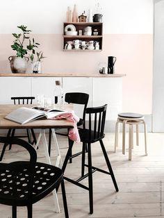 Yep but blue Diy Interior, Interior Design, Sweet Home, Dinner Room, Minimalist Room, Home And Deco, Black Decor, Home Decor Kitchen, Home Living Room