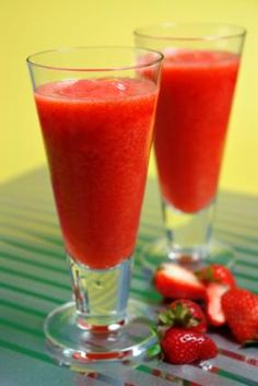 Strawberry daiquiri recipe. I pulsed the strawberries with the rum and sugar, then let it macerate before I added the ice.