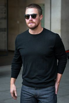 Stephen amell is goals. Casey Jones, Arrow Oliver And Felicity, Stephen Amell Arrow, Emily Bett Rickards, Elegant Man, Attractive People, Gq, Black Men, Sexy