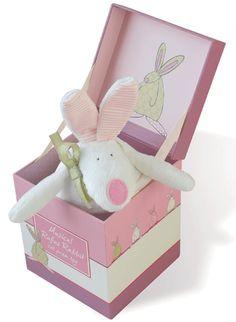 Rufus Rabbit Kanin spilledåse rosa i eske Baby Girl Gifts, Baby Girls, Pram Toys, Musicals, Rabbit, Barn, Christmas Ornaments, Cot, Holiday Decor