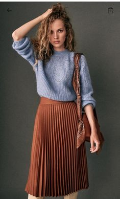 Sézane - Dino Skirt Source by jakisd outfits Mode Outfits, Fall Outfits, Fashion Outfits, Fashion 2017, Skirt Fashion, Fashion Ideas, Casual Outfits, Dress Skirt, Midi Skirt