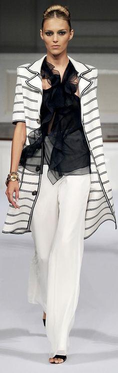 Oscar de la Renta Spring 2011 Ready-to-Wear Fashion Show Haute Couture Style, Couture Mode, Couture Fashion, Runway Fashion, Womens Fashion, Fashion Trends, I Love Fashion, Passion For Fashion, High Fashion