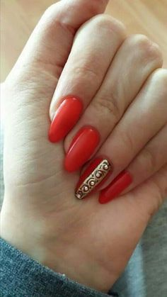 Uv almond shaped nails design