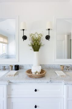 If you love the clean, neutral approach to the Cali-cool interior design style, then you'll obsess over this modern Pacific Palisades home. Bathroom Interior, Modern Bathroom, Small Bathroom, Bathroom Furniture, Antique Furniture, Master Bathroom, Bad Inspiration, Bathroom Inspiration, Ideas Baños