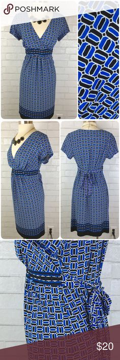 Motherhood Maternity Geometric Stretch Dress M This dress is in like-new condition! Stretchy material is comfortable and figure flattering.  Comment for measurements if interested! Motherhood Maternity Dresses Midi