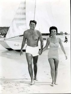 Ronald and Nancy Reagan, when he was just acting on film..........