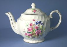Windsor (England) 5 Cup Tea Pot and Lid in Pattern 4370