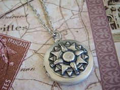 Silver Compass Locket Necklace Round Wedding Sea Ocean Sailor Mom Dad Sister Brother Travel Simple Elegant Friend Photo Pictures - Roamer