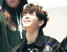 Stray Kids First Fan Meeting Fanmeeting - Seungmin Stray Kids Seungmin, Baby Dinosaurs, Ji Sung, Lee Know, Boy Groups, Children, People, Coca Cola, Jin