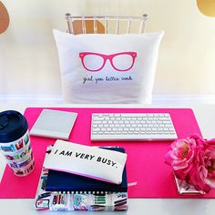 How I Do It: Staying Motivated <<Preppy Printshop Pillow, Kate Spade Planner and Mug, and Bando Pencil Case>>