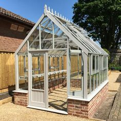 Wooden Traditional greenhouse - The Clearview Buckinghamshire is a fantastic looking building which would make a great centerpiece for your garden. Roof Window, Side Window, Traditional Greenhouses, Stirling Scotland, Wooden Greenhouses, Roof Vents, Safety Glass, Colour Board