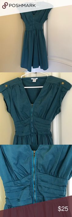 Bar III Dress🎩 Bar III Dress🎩. Cute teal dress in 67% cotton, 29% nylon, 4% spandex. Front exposed zipper. Great preowned condition Bar III Dresses