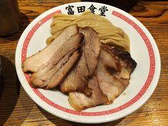 4時間も並ぶラーメン屋とみ田の味を10分も並ばずに味わえる富田食堂の炙り肉濃厚つけそば