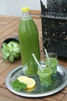 Jus de menthe et de citron - passion culinaire de Minouchka - Getränke - Cocktails - Non Alcoholic Drinks, Cocktails, Cocktail Recipes, Detox Recipes, Smoothie Recipes, Healthy Recipes, Juice Recipes, Healthy Eating Tips, Healthy Drinks