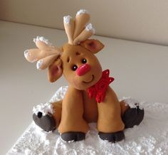 Reindeer Made from Cloud Clay (air dry clay) Clay Ornaments, Diy Christmas Ornaments, Christmas Cakes, Polymer Clay Miniatures, Polymer Clay Crafts, Biscuit, Fondant Animals, Polymer Clay Christmas, Cute Clay