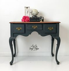 This would be perfect as my desk even though it is a sofa table! This sweet little sofa table has been painted Graphite, distressed and clear waxed! Furniture Projects, Furniture Making, Furniture Makeover, Furniture Decor, Black Painted Furniture, Colorful Furniture, Repurposed Furniture, Vintage Furniture, Headboards For Beds