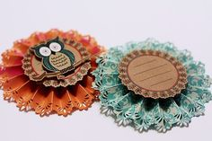 28 Ideas for diy paper rosettes gift tags Handmade Flowers, Diy Flowers, Paper Flowers, Scrapbook Paper Crafts, Scrapbooking, Paper Medallions, Diy Papier, Candy Cards, Scrapbook Embellishments