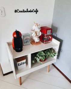 Coffee Bar Home, Home Coffee Stations, Coffee Corner, Home Library Design, Relaxation Room, Decoration, Room Inspiration, Living Room Decor, Diy Home Decor
