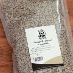 Raw coffee to roast yourself. Roast highland coffee at home. Ideal for cappucino, moka pot and French Press. Garden Coffee, Coffee Roasting, Your Message, Coffee Drinks, Earthy, Rebel, Cards Against Humanity, Messages, Indonesia