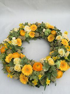 Yellow Flower Arrangements, Flower Centerpieces, Yellow Flowers, Green Funeral, Funeral Sprays, Funeral Arrangements, Easter Flowers, Sympathy Flowers, Funeral Flowers
