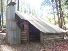 ❤ everything about Victorian high country huts Backpacking Food, Camping Tips, Ideal House, My House, Australian Houses, Wood Benches, Land Of Oz, It's Wonderful, Rustic Homes
