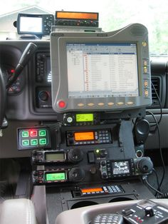 Mobile Ham Radio Set up Radios, 4x4, Offroader, Bug Out Vehicle, Expedition Vehicle, Police Cars, Police Radio, Truck Accessories, Ham Radio