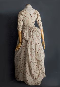 Cotton print gown, they've dated it 1770s-80s but I think it's the early 90s. Vintage Textiles, sold for $4K