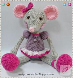 Balerin fareciğim. Biraz alışılagelmişin dışında süslü bir fare oldu :) Diğer çalışmalarımı görmek için lütfen bloguma buyrun